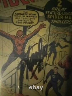 Amazing spider-man #1 Signed by Stan Lee on 4/12/15Off white to white pages