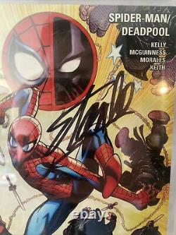 SPIDERMAN DEADPOOL 8 Signed By Stan Lee CGC Signature Series 9.6