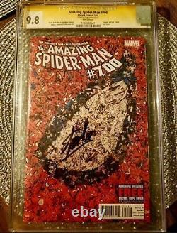Incroyable Araignée 700 Cgc 9,8 Signé Par Stan Lee